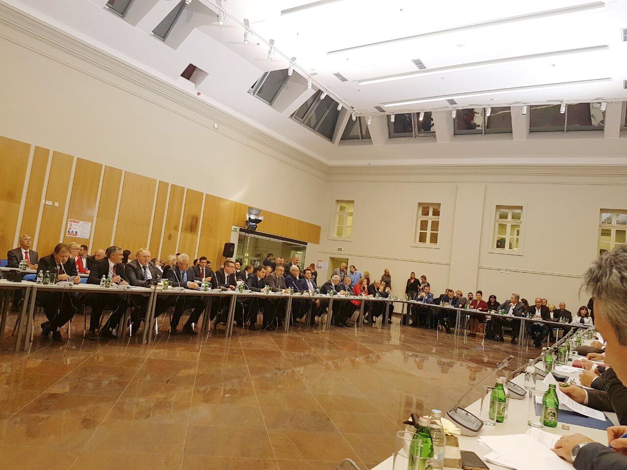 Photo of Premijer Vučić: Donosimo novac na jug Srbije