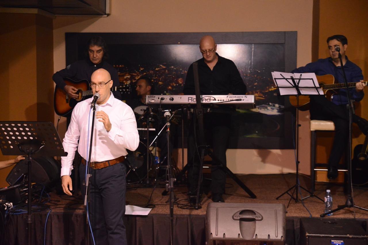 Photo of Muzičari, glumci, advokati, profesori, novinari na istom – humanitarnom cilju