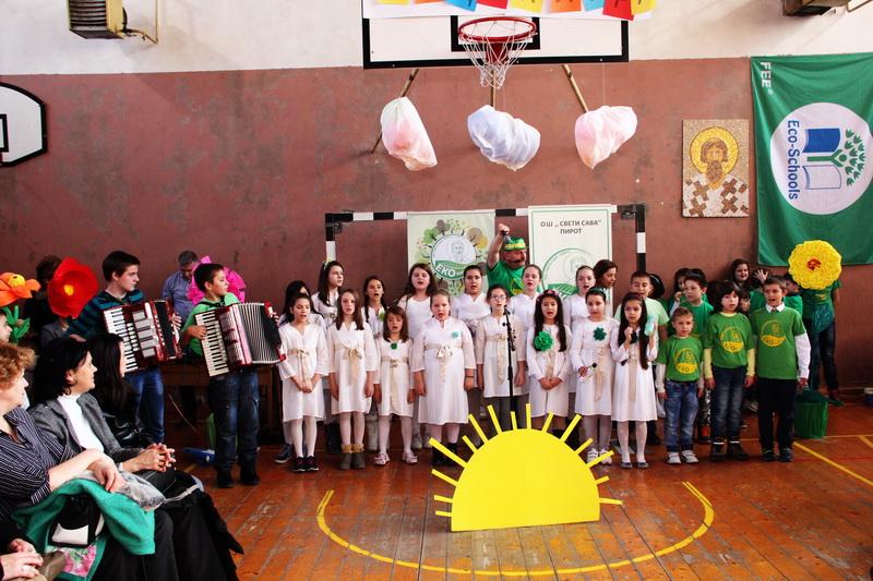 """Photo of Ekolaž, projektni dan u okviru programa rada ,,Eko-škole"""""""