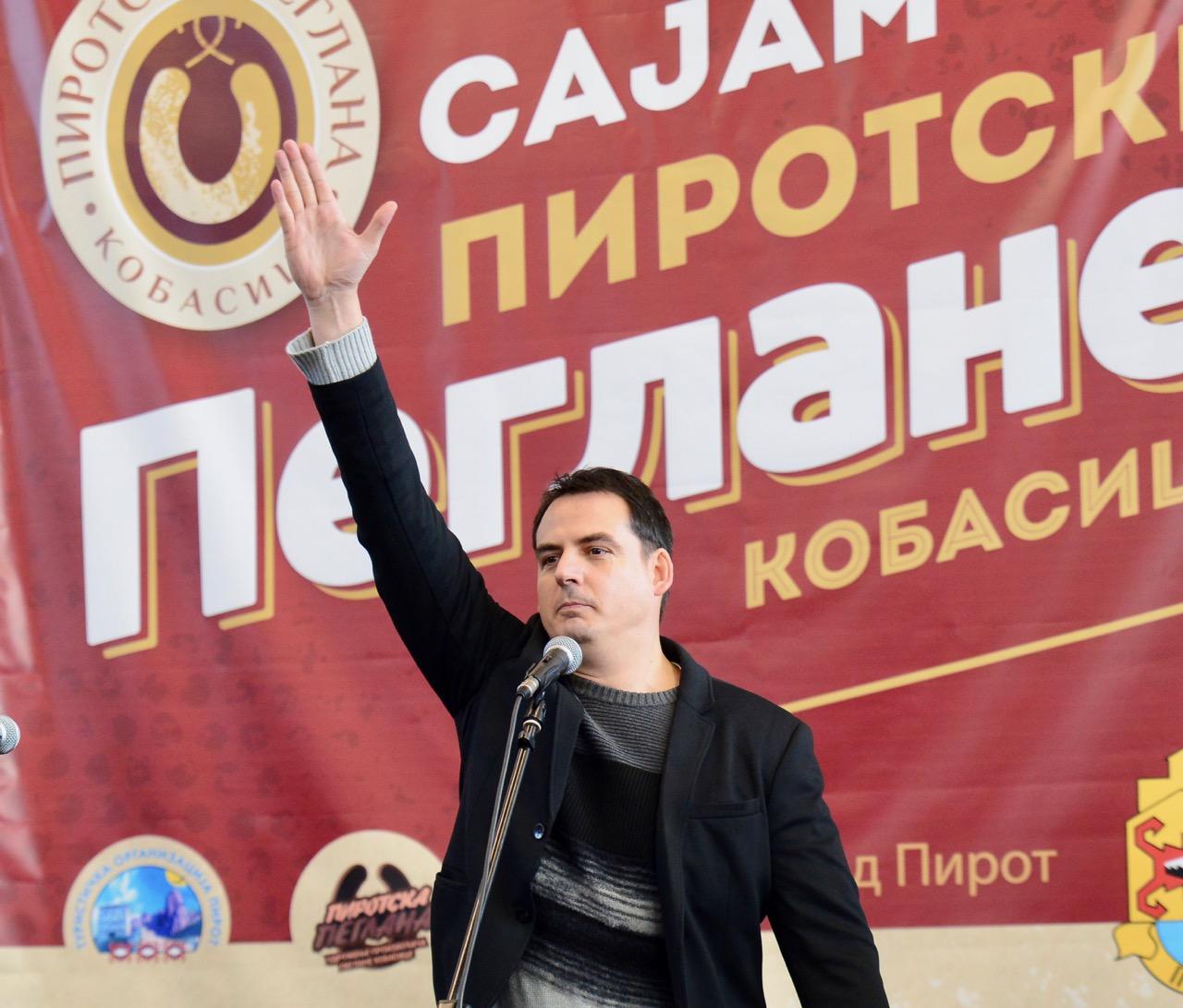 Photo of Zoran Kesić: Piroćanci nisu škrtice, naprotiv, ne daju mi da odem dok mi ne napune gepek