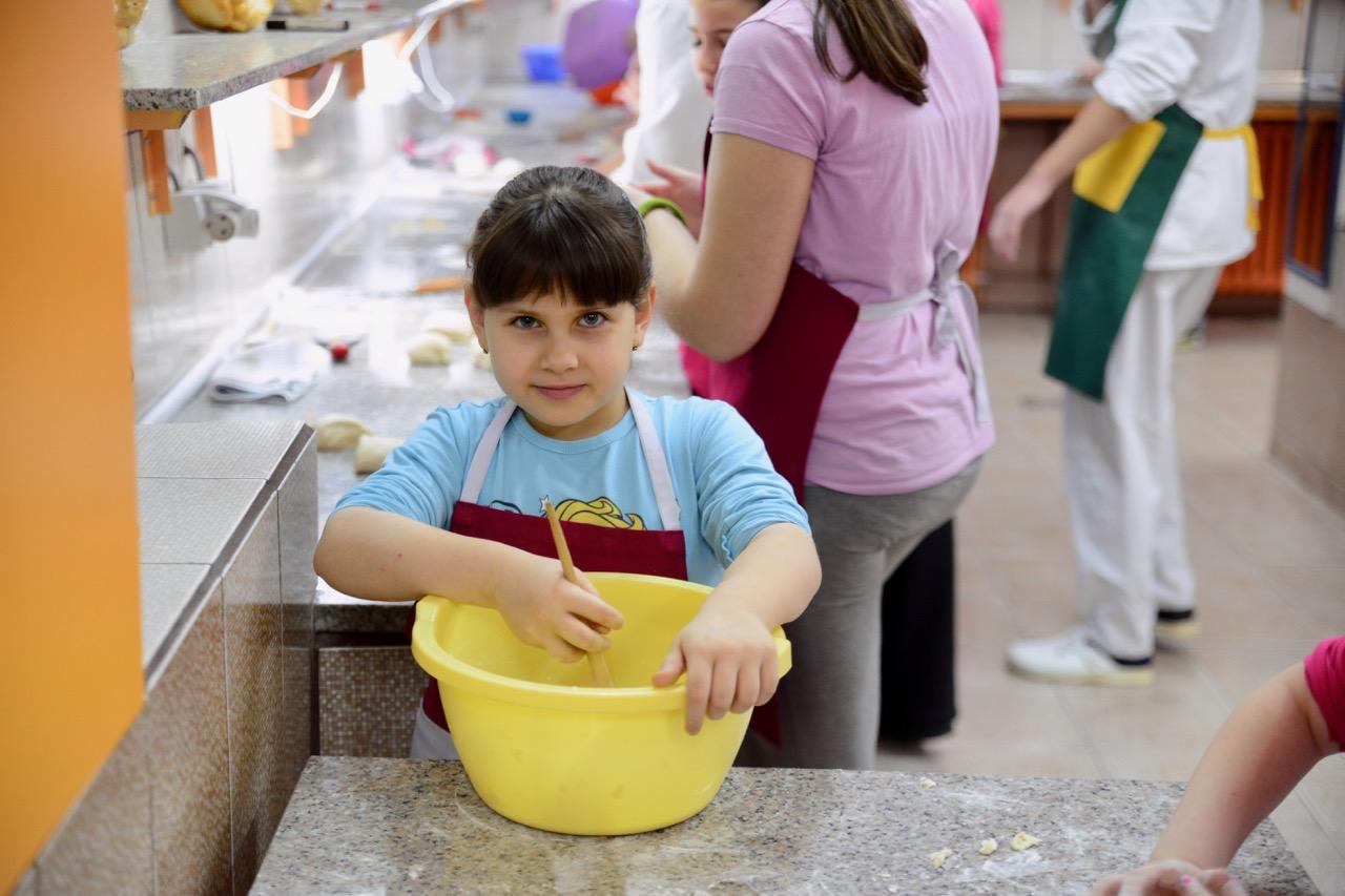 Photo of Radionica izrade slavskog kolača u okviru Zimske škole