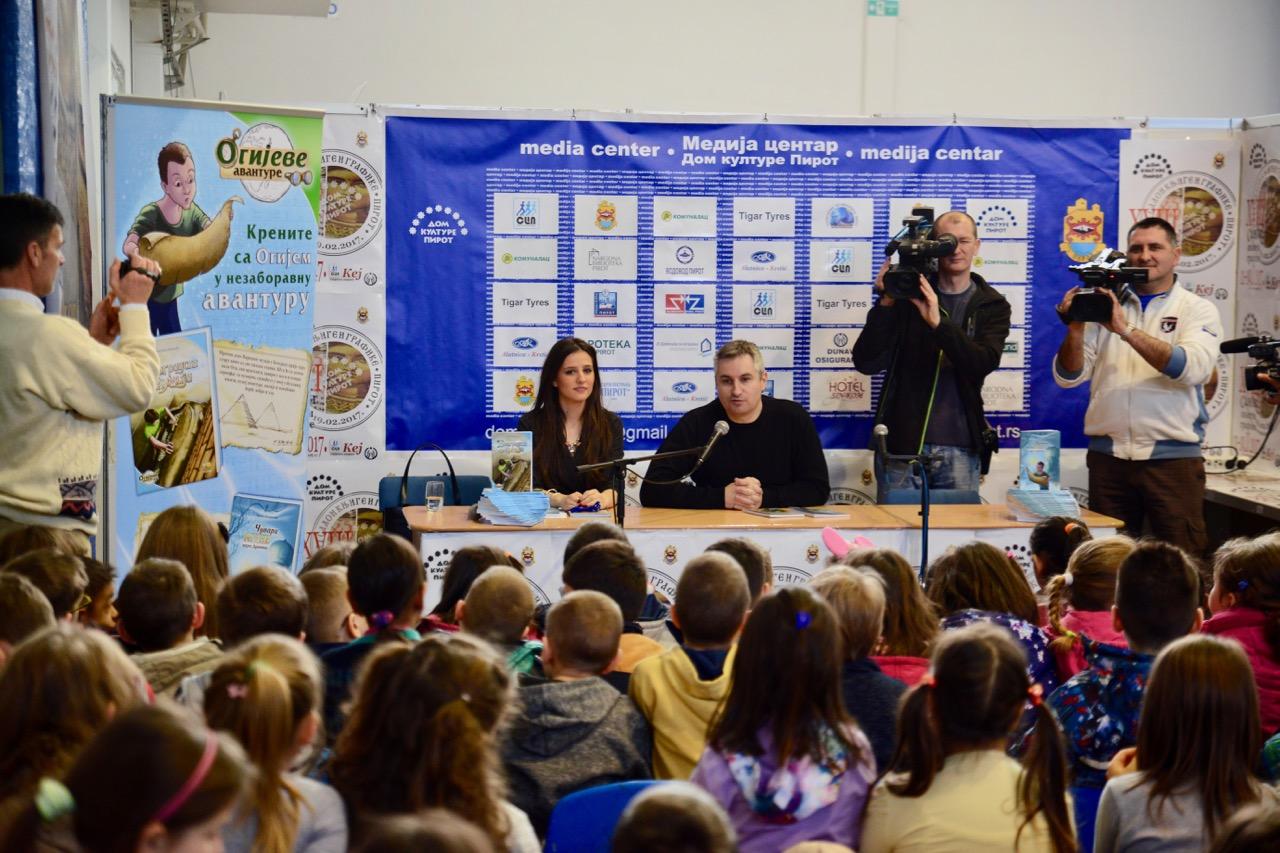 Photo of Izuzetno posećene promocije knjiga dečijih pisaca na Salonu knjiga