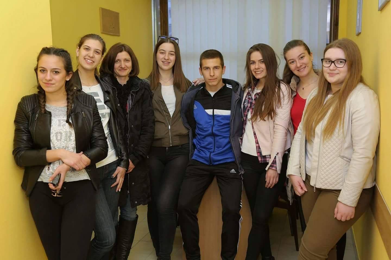 Photo of Humani pirotski maturanti pomažu Mili Panić i još jednom malom bolesnom sugrađaninu