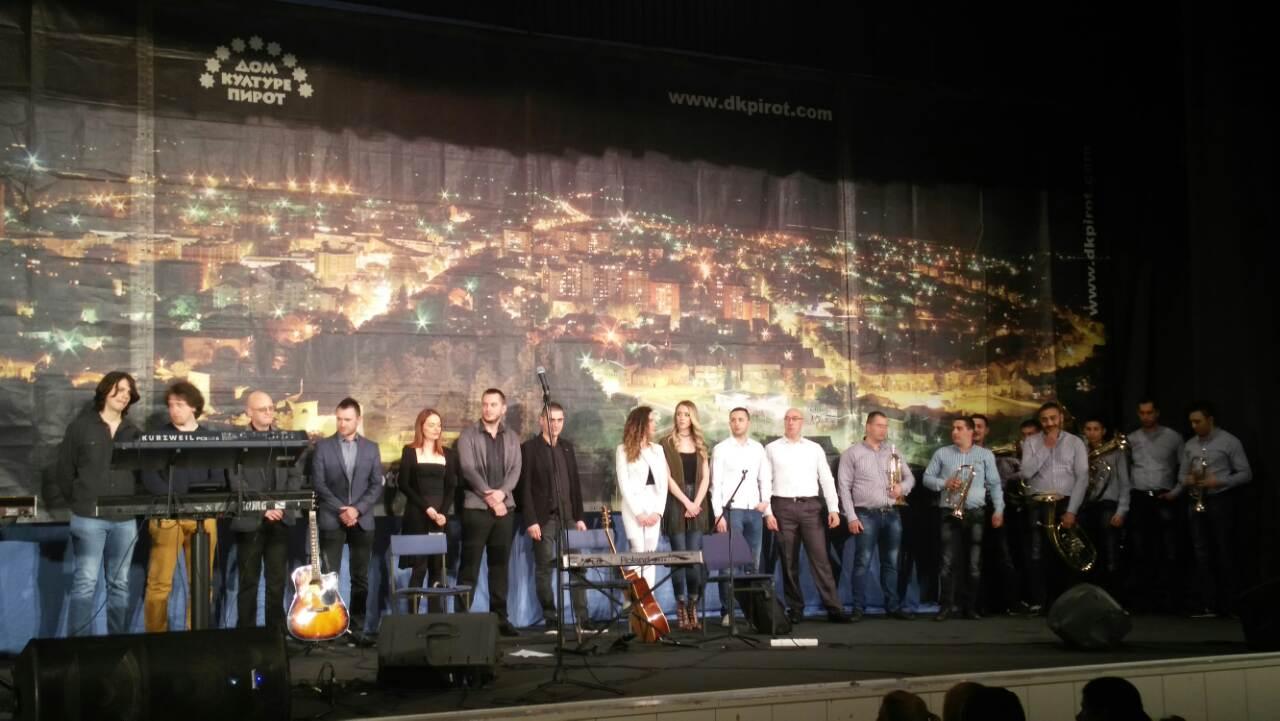 Photo of Pirotski pevači i muzičari svirali za Milu