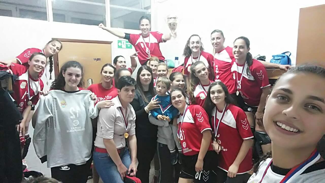 Photo of Šampionski selfi pirotskih rukometašica, sledeće sezone Super B liga u Pirotu