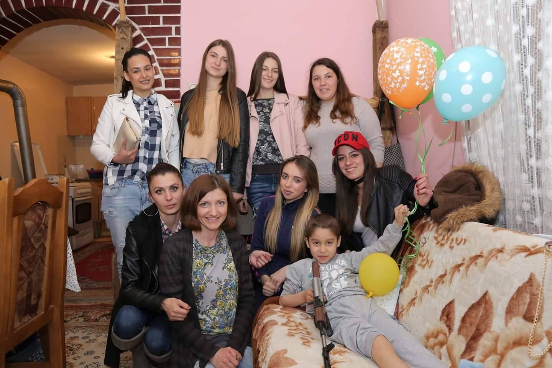 Photo of Ministarstvo prosvete: Humanost pirotskih maturanata primer celoj Srbiji