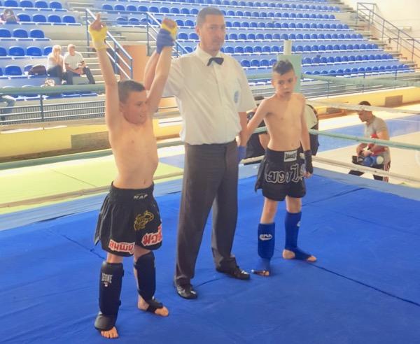 Photo of Zlato za malog pirotskog kik-boksera Ognjena Antića