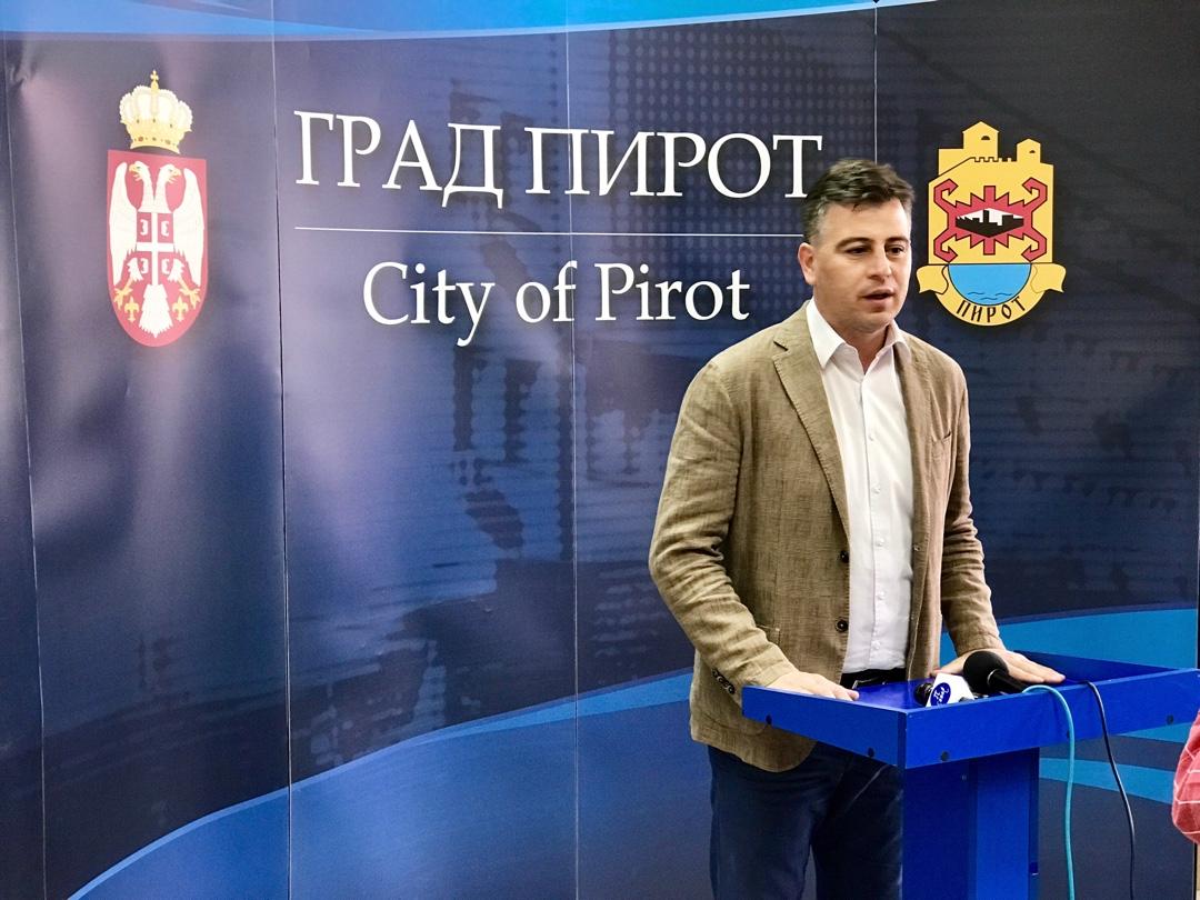 Photo of Vasić: Bespotrebna panika unešena među ljude, naneta šteta imidžu grada