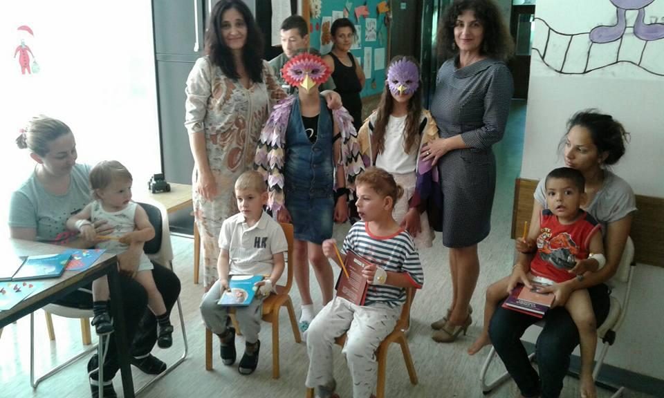 Photo of Poseta mališanima na Dečijem odeljenju Opšte bolnice u Pirotu