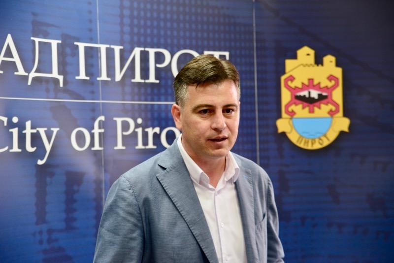 Photo of Vasić: Prihvatiti ponudu Slobodne zone, dva poslodavca bi odmah pokrenula proizvodnju