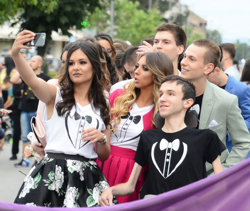 Photo of Pirotski humani maturanti – ponos Srbije, položili maturu sa najvećom mogućom ocenom