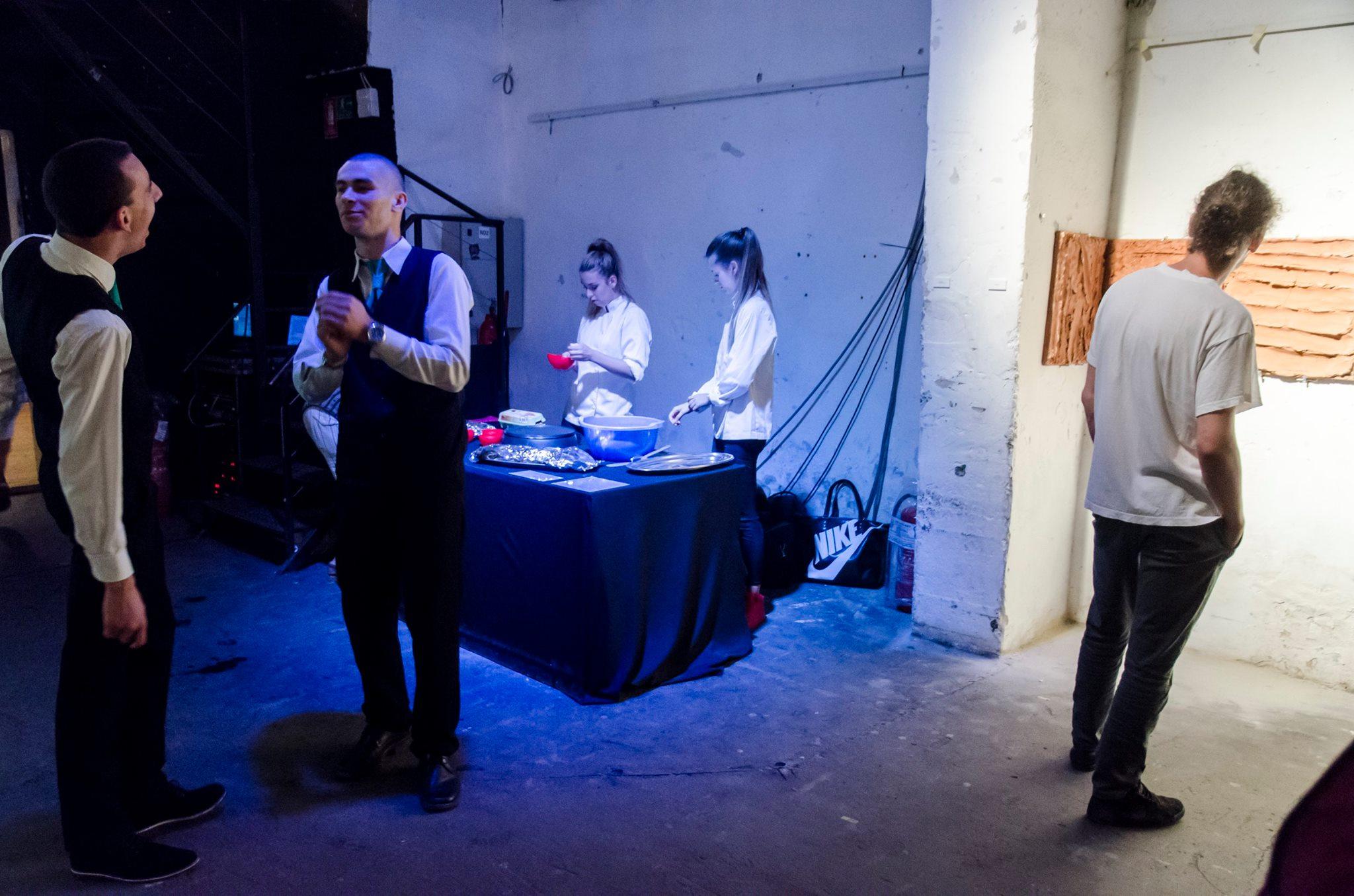 Photo of Pripremanjem palačinki u galeriji pokazao da je prava umetnost u krizi
