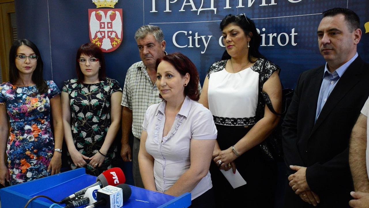Photo of SNS u Pirotu: Podržali smo sve predloge, gradska vlast u Pirotu radi domaćinski