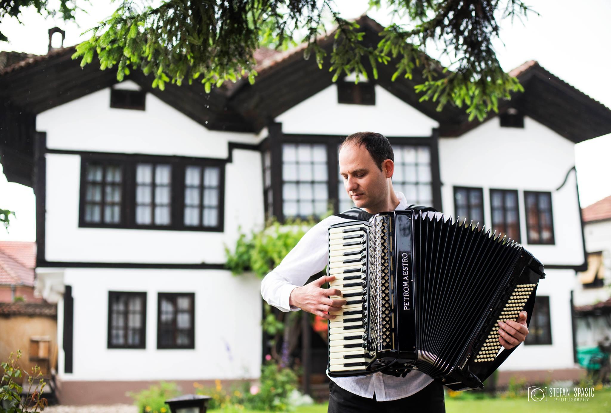 Photo of BRAVO: Piroćanac uvršten u enciklopediju najboljih svetskih harmonikaša