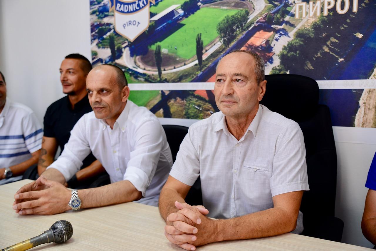 Photo of Predstavljen novi stručni štab Radničkog – novi trener – internacionalac Dražen Dukić