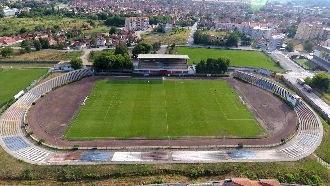 Photo of Komisija Prve lige vršila inspekciju stadiona Radničkog pred početak takmičenja. Teren bez zamerke, uslovi SUPERLIGAŠKI