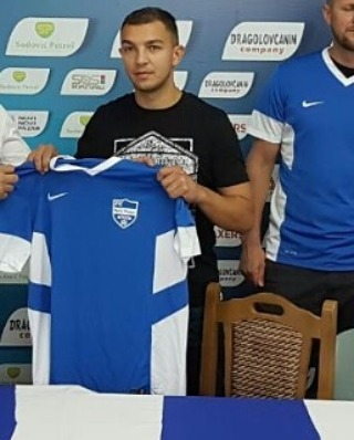 Photo of Nakon trenera Živkovića i Denda i Makac potpisali za Novi Pazar