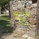 Sprejom na zidine srednjovekovne tvrđave
