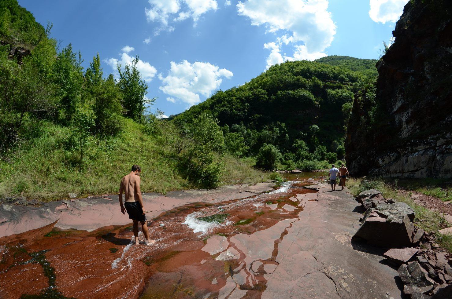 Photo of Šetnjom apeluju na očuvanje reke