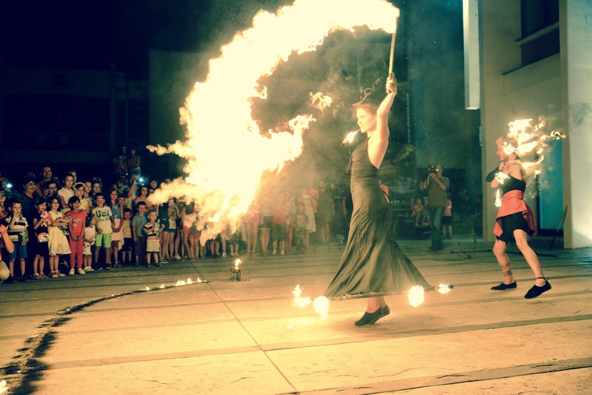 Photo of Vatreni spektakl u centru grada – Ludifiko oduševio Piroćance
