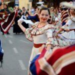 Defile za pamćenje - folklorci izmamili ovacije Piroćanaca