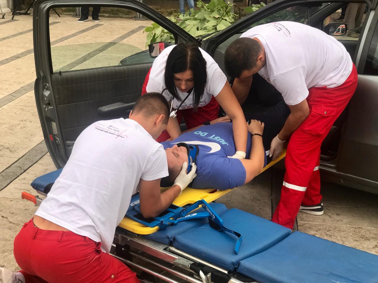 Photo of Oni spašavaju živote – Hitna pomoć u Pirotu obeležila 35 godina postojanja