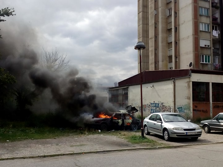 Photo of Izgoreo automobil u Ustaničkoj ulici – FOTO i VIDEO