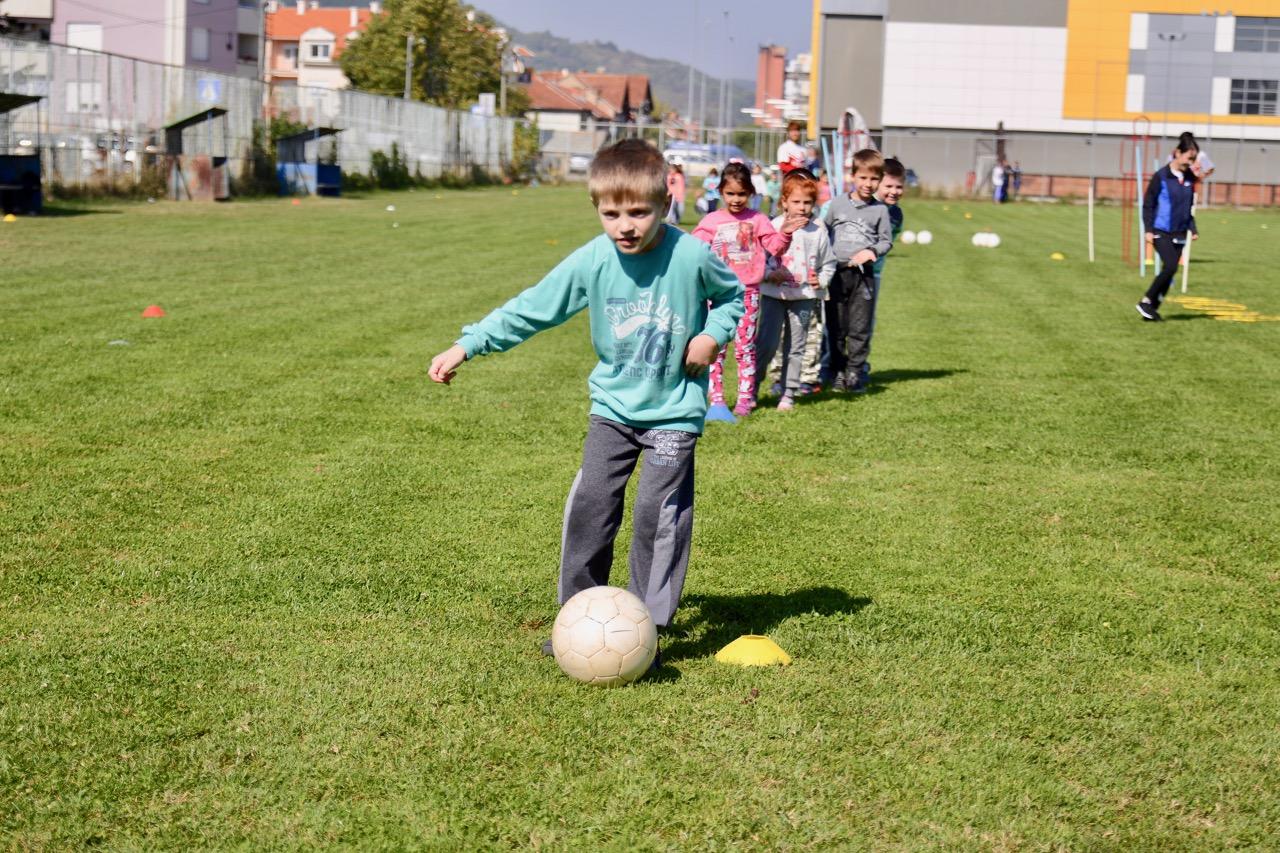 "Photo of Fudbal u Pirotu ima budućnost – uspela akcija ""Moj grad – moj klub"""
