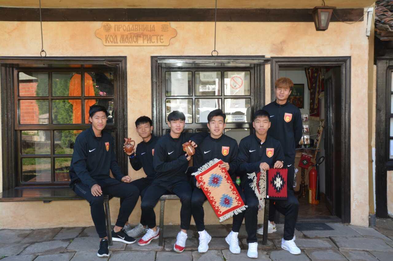 Photo of Igrači iz Kine pomažu mladim Belima u borbi za opstanak u elitnom rangu takmičenja