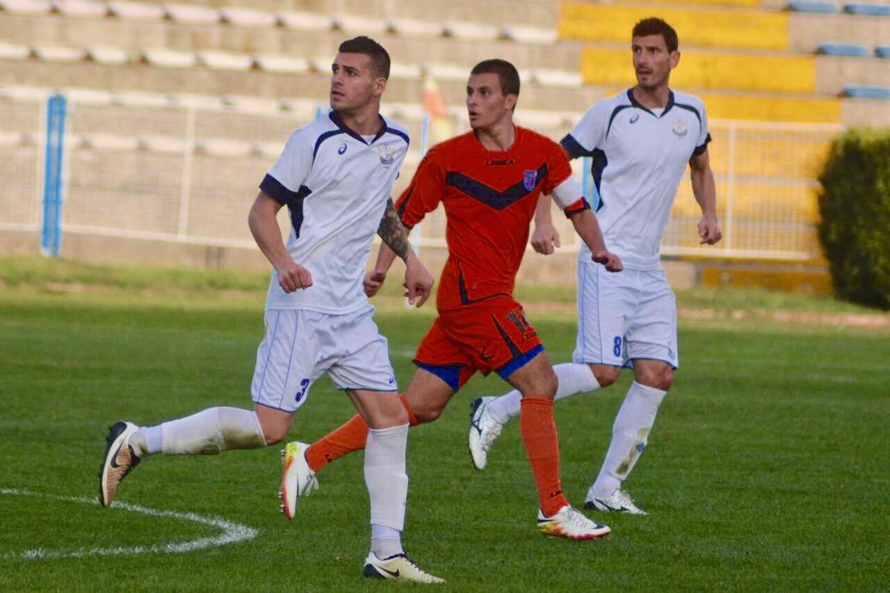 Photo of Beli gostuju beogradskom Sinđeliću, omladinci igraju u Kruševcu