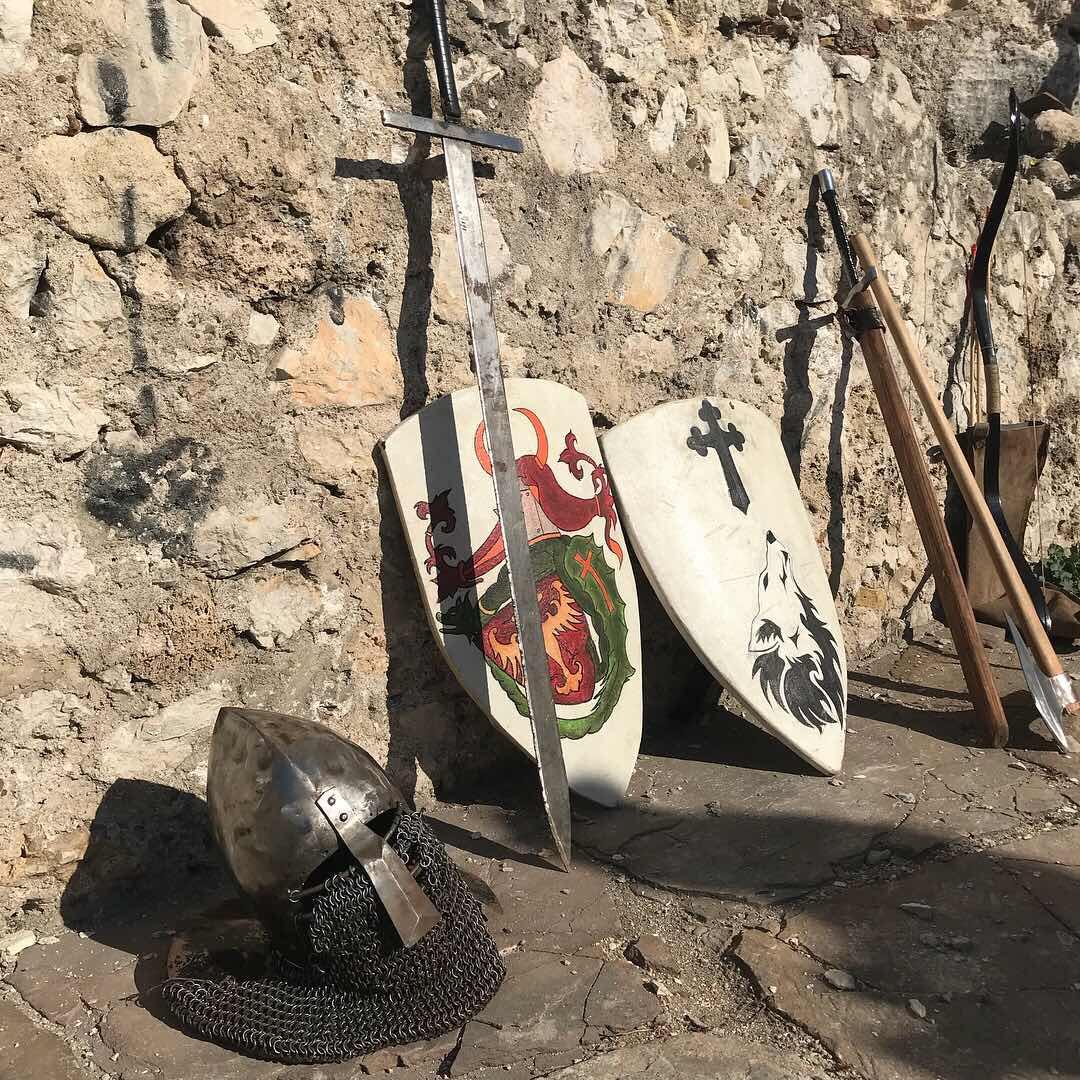 "Photo of ""Oživeli"" drevni vitezovi Momčilovog grada"