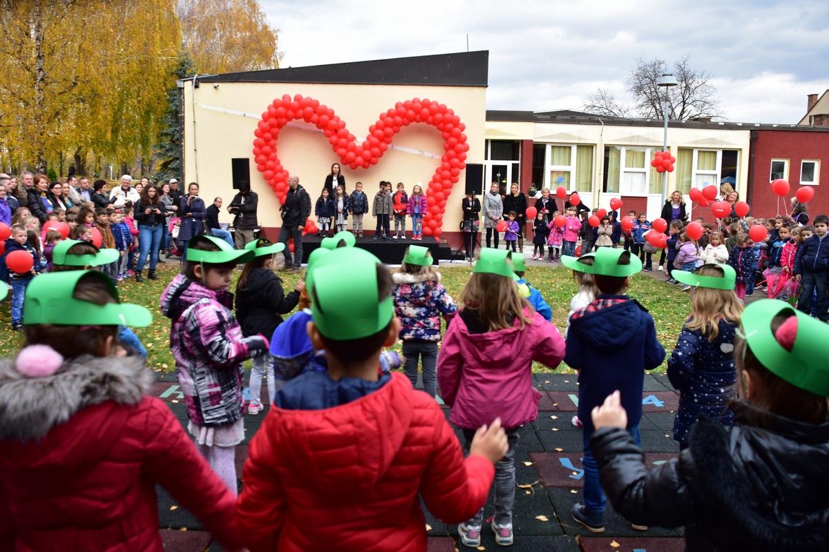 """Photo of """"Veliko srce"""" za pirotsku mladost, mališani u vrtiću Neven dobili novo igralište"""