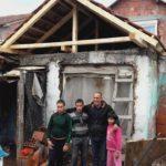 Stigla pomoć porodici Durmišević, mališani oduševljeni poklonima