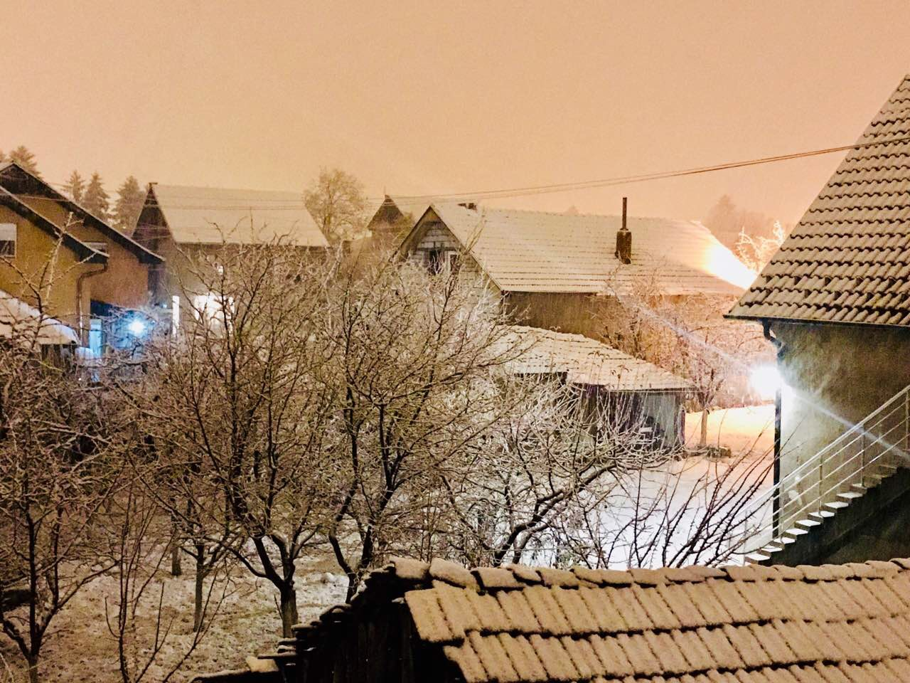 Photo of Sneg stigao i u Pirot – oprez u saobraćaju, RHMZ izdao upozorenje