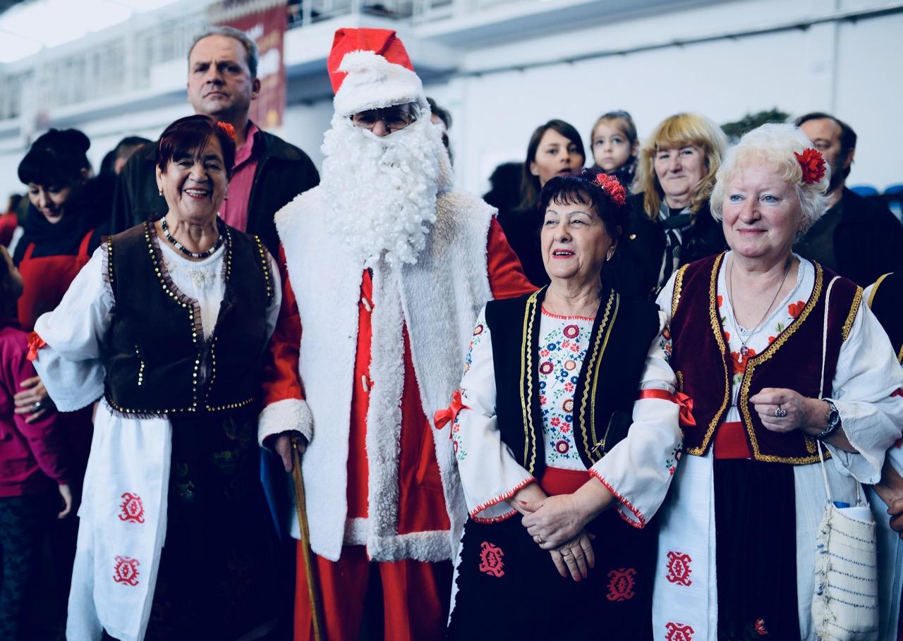 Photo of I Deda Mraz na Sajmu pirotske peglane kobasice