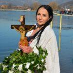 Plivanje za Časni krst u Pirotu (foto galerija)
