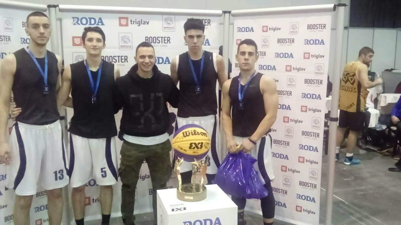 Photo of Mlade nade pirotske košarke srebrne na turniru u Kragujevcu