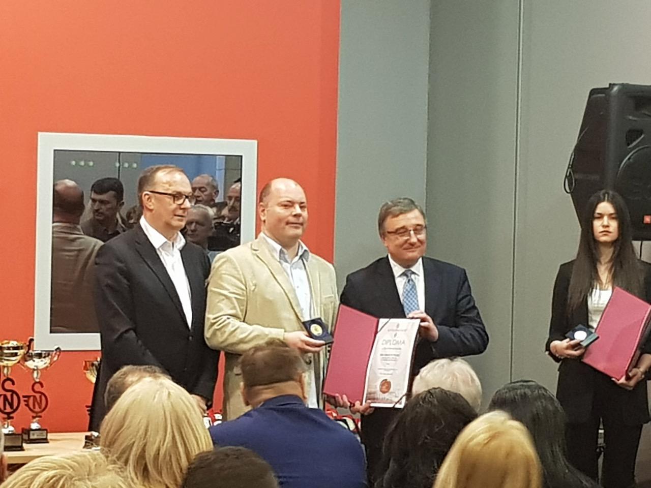 Photo of Mlekarska škola dobitnik plakete sa zlatnikom na 13. Međunarodnom Sajmu obrazovanja u Novom Sadu