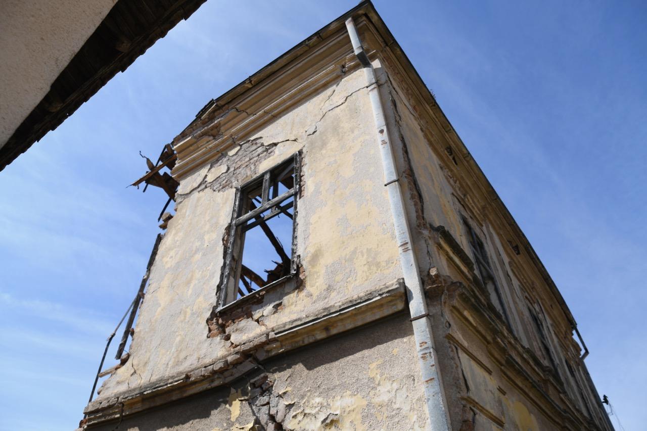 Rušiće se dotrajala zgrada Doma kulture u Krupcu, nići će dečije igralište