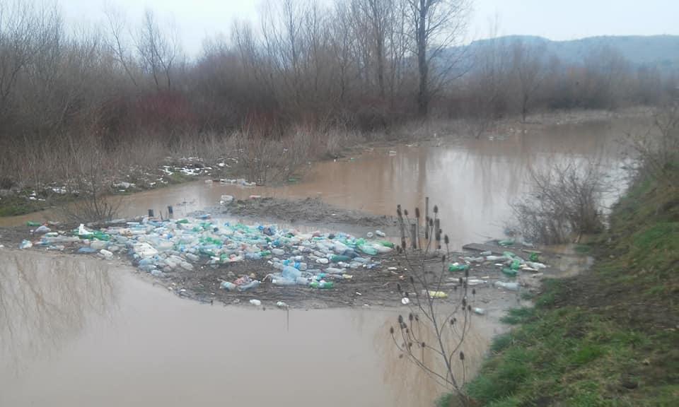 Photo of Korito Bistrice puno otpada i plastičnih flaša!