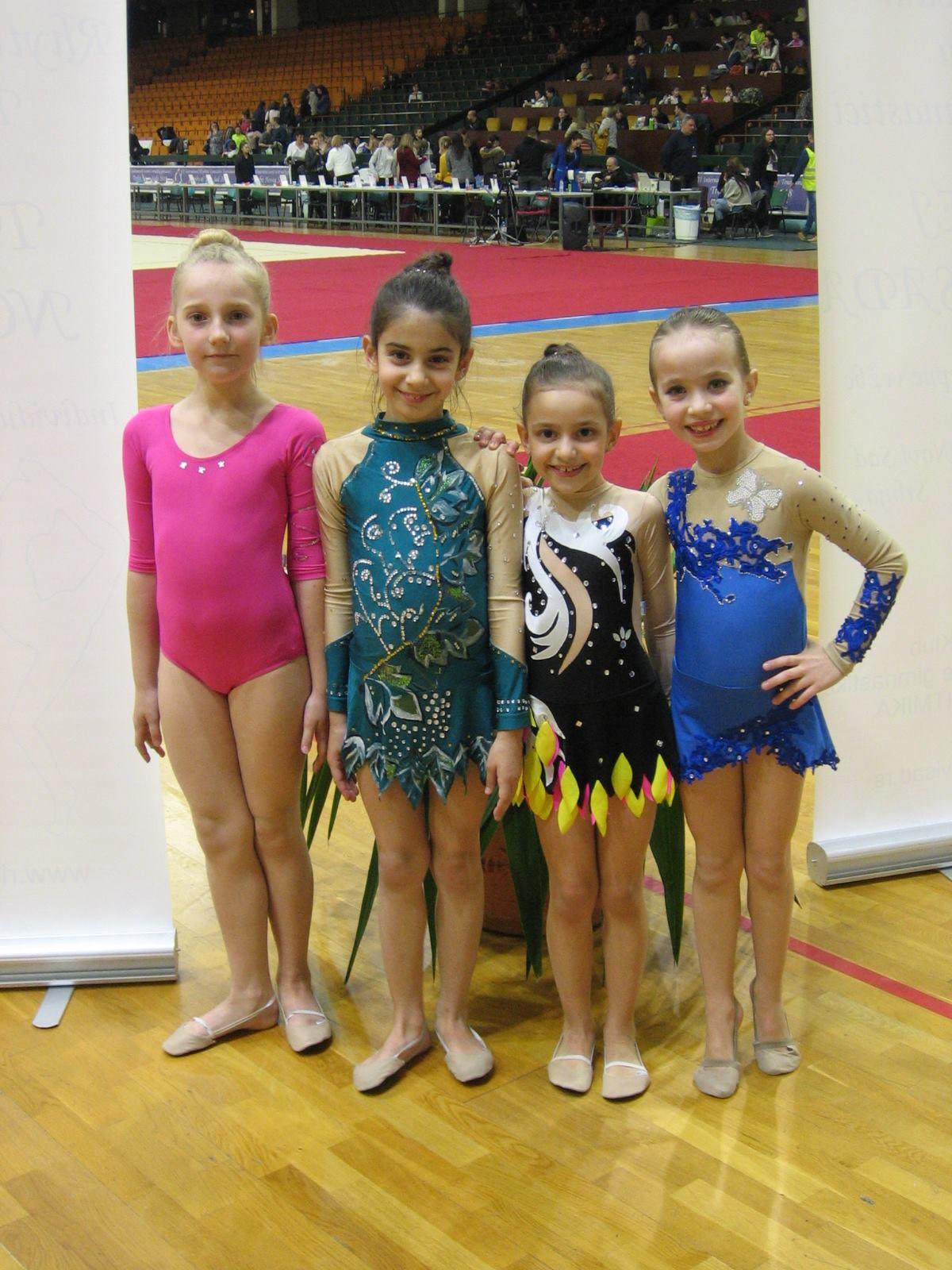 """Photo of Dva zlata za devojčice iz Kluba ritmičke gimnastike """"Sirene"""" iz Pirota"""