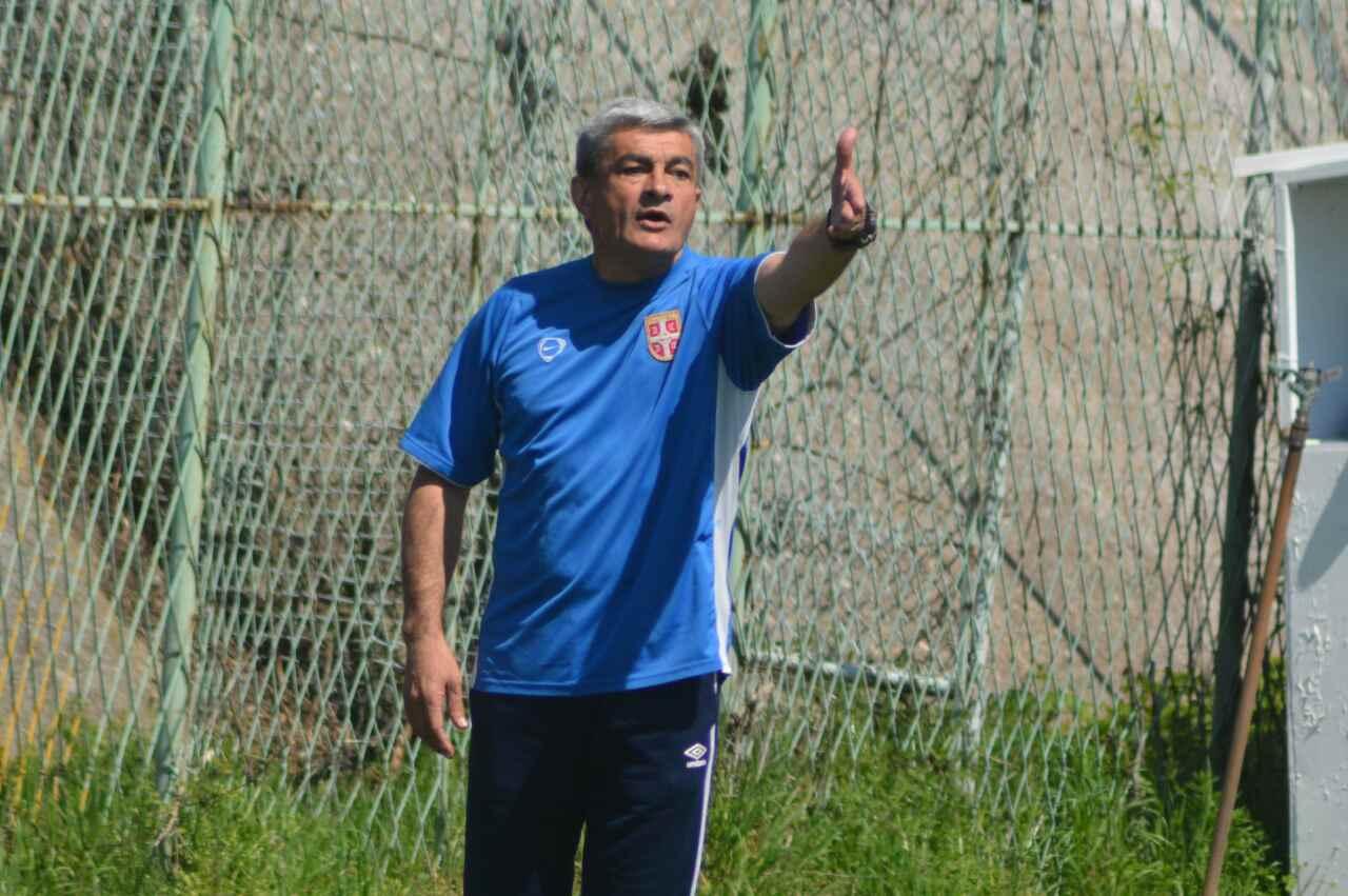 Photo of Trojica fudbalera iz Kine, koji igraju u Radničkom, dobila pozive kineske reprezentacije U19
