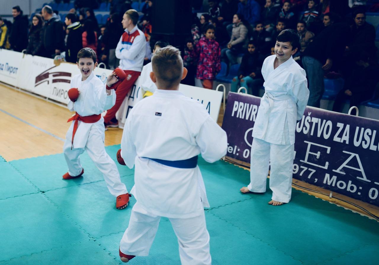 Photo of Nikola Đorđević nastupa u dresu reprezentacije – stasava novi pirotski šampion