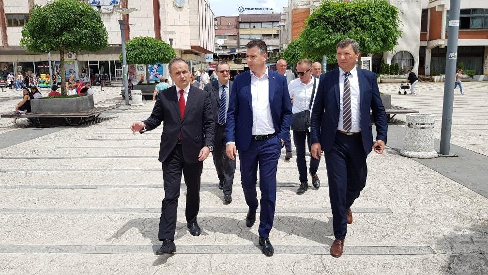 Photo of Ambasador Hrvatske posetio Pirot i Regionalnu deponiju