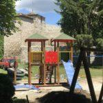 Nastavlja se uredjenje Parka na Kaleu, montira se dečje igralište