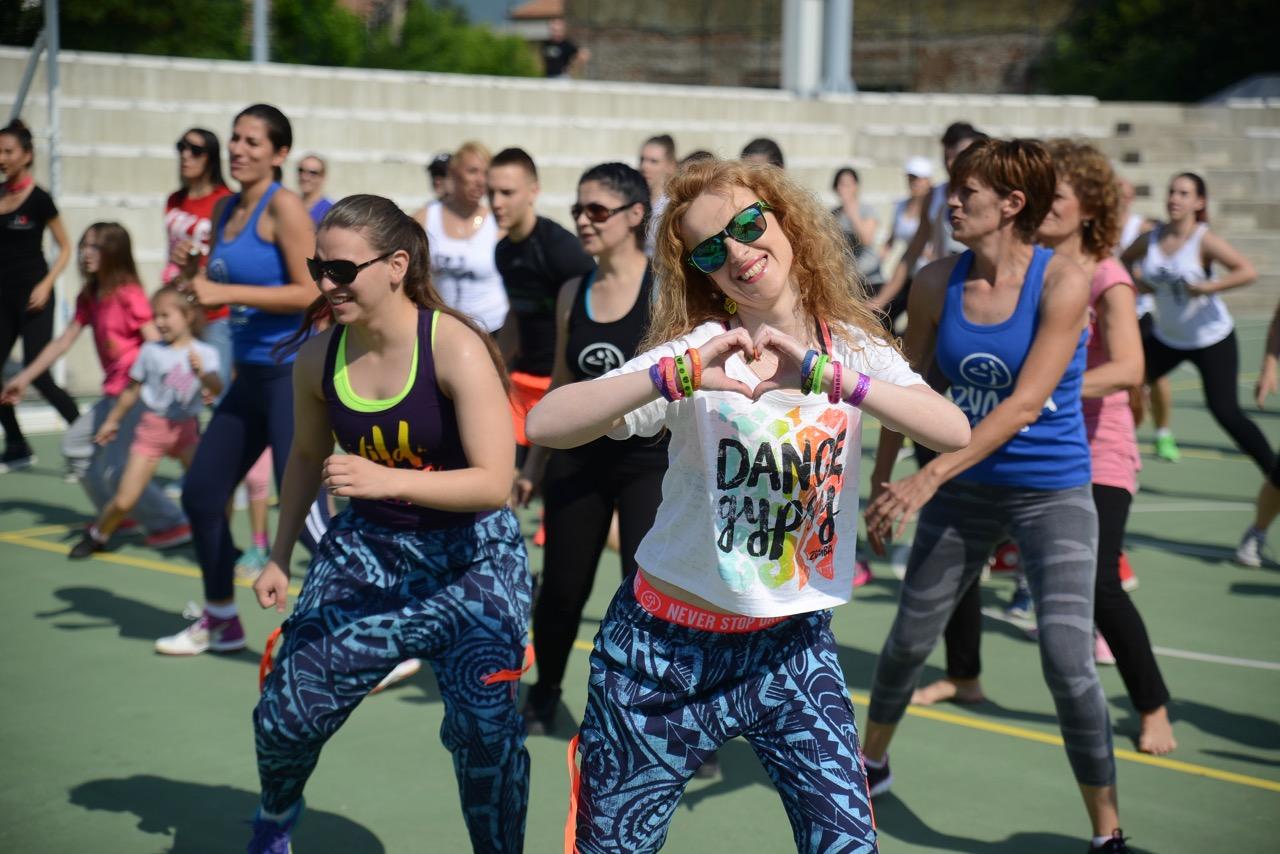 Photo of Fit fest na Omladinskom stadionu – praznik sporta i rekreacije (FOTO)
