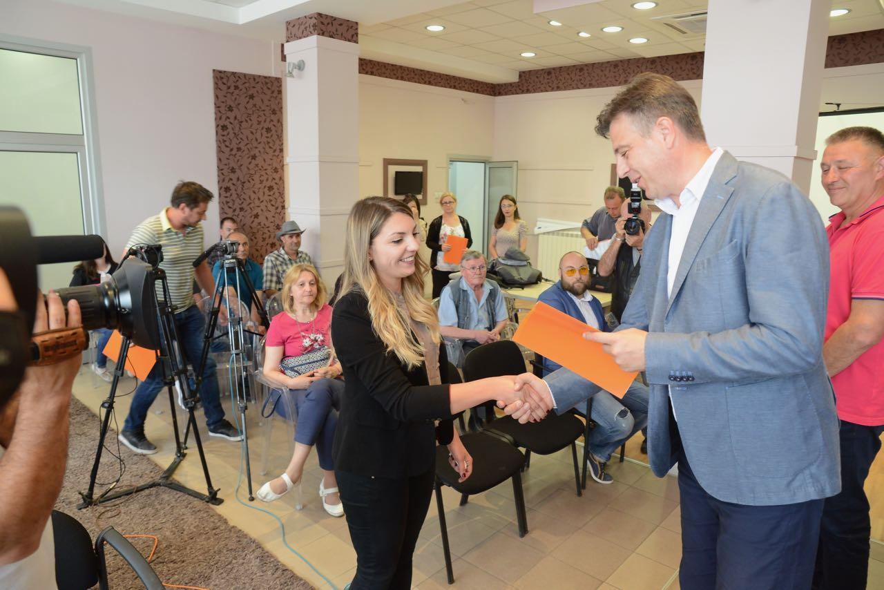 Photo of Posao za više od stotinu nezaposlenih kroz programe zapošljavanja Gradske uprave Pirot