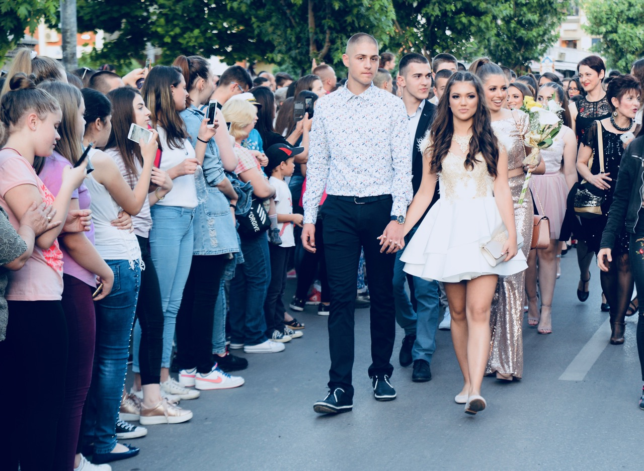 Photo of Parada lepote – maturanti defilovali centrom grada