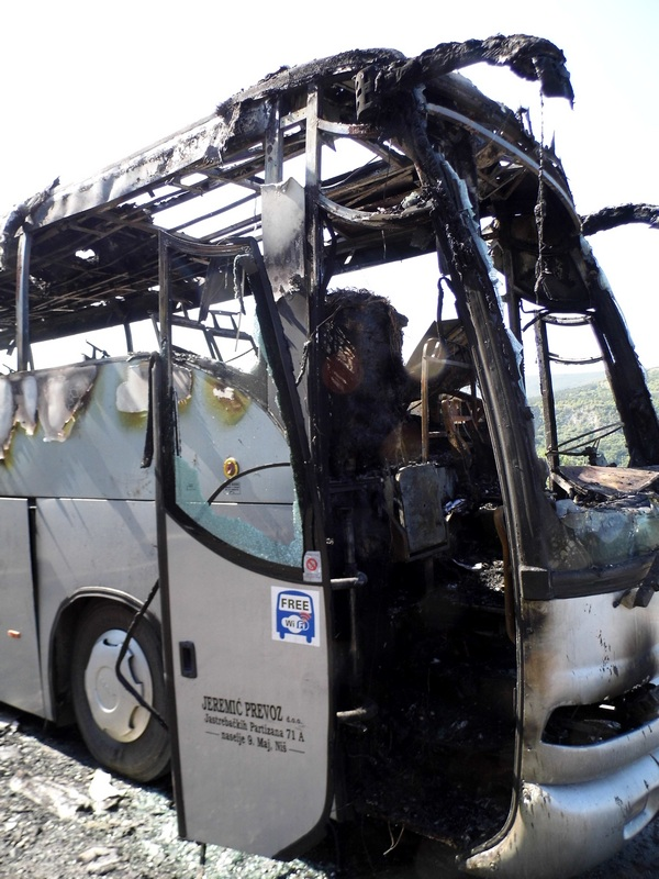 "Photo of Kod Crnkolista izgoreo autobus ""Jeremić-prevoza"""""