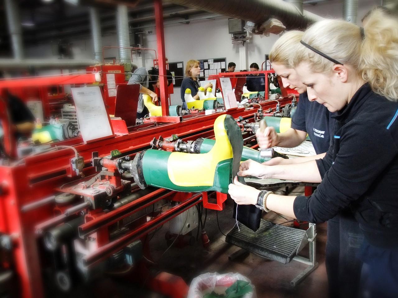 Photo of Pored povećanja izvoza pirotski Tigar unapređuje proizvodni program fabrik